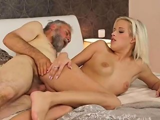 SpankWire Video - Meets Old Girlpal Surprise Your Gf And She Will Bang With Your Dad