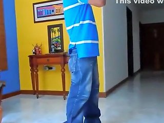 VoyeurHit Video - She Bends Over In Front Of A Delivery Guy