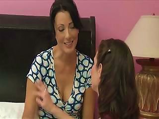 DrTuber Video - Milf Lesbians Veronica Avluv And Zoe Holloway Are Loving Each Other