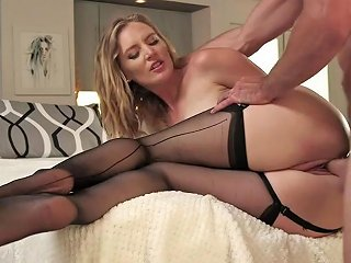 SunPorno Video - Thick Ass Mom Mona Wales Fucks Wildly With Young Hunk New 30 Jul 2018 Sunporno