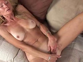 TubeWolf Video - Saggy Ass Mature Babe Lubes Up And Masturbates