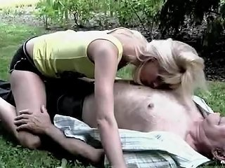 KeezMovies Video - Old Mature Deadbeat Goes Down On Young Athletes In Public Bart Is A