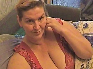 HClips Video - Mature Amateur Vid Shows Me Play With My Mature Tits