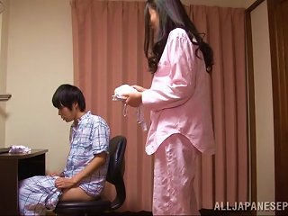 AnyPorn Video - A Sweet Japanese Housewife Gives Her Man A Handjob