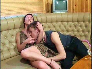 TubeWolf Video - Ed Mom Gets A Sticky