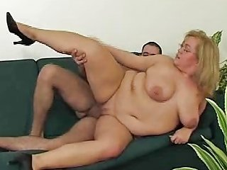 XHamster Video - Hot Fat Horny Slut Freezes Repairman Helps Her Get