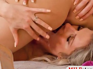 EmpFlix Video - Milf And Teen Make Out And Threesome Sex With Nasty Bf Porn Videos