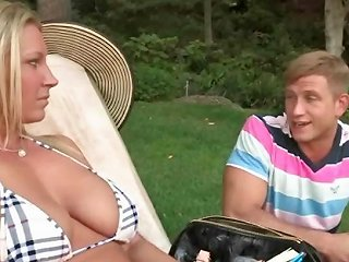 DrTuber Video - Blonde Milf And Teen Sunbathing Together Topless Drtuber