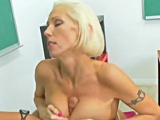 HDZog Video - Mature Blond Hottie Kasey Grant Fucked In Classroom By Rocco Reed