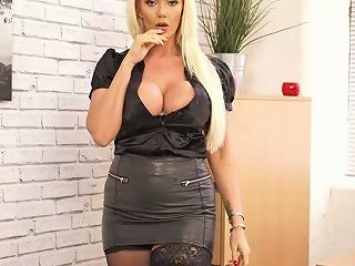 AnySex Video - Plump British MILF Lucy Zara Is Toying Her Pussy On The Table