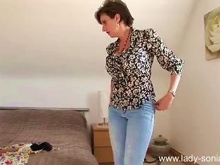 HellPorno Video - Goddess MILF Gets Dressed