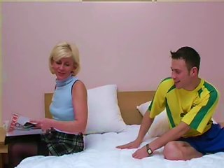 BravoTube Video - Sexy Russian Milf Likes Wearing Pantyhose While Fucking Men