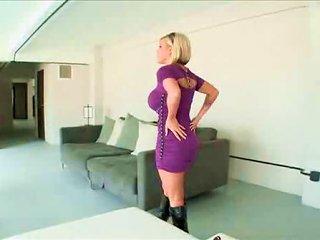 XHamster Video - Photo Shoot Gets Jiggy