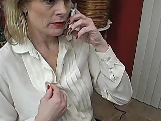 XHamster Video - Sexy Mature Babe Talks Dirty On The Phone While Wanking