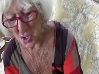 XHamster Video - Hot Sexy Older Cougar Hj In Leather Gloves Pov